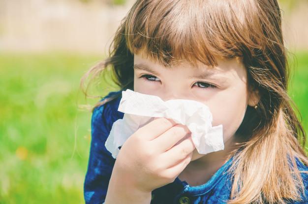 Cómo hacer limpiezas nasales a los más pequeños