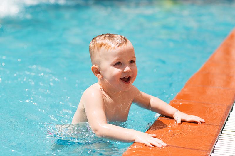 Cómo prevenir la otitis de los niños en verano